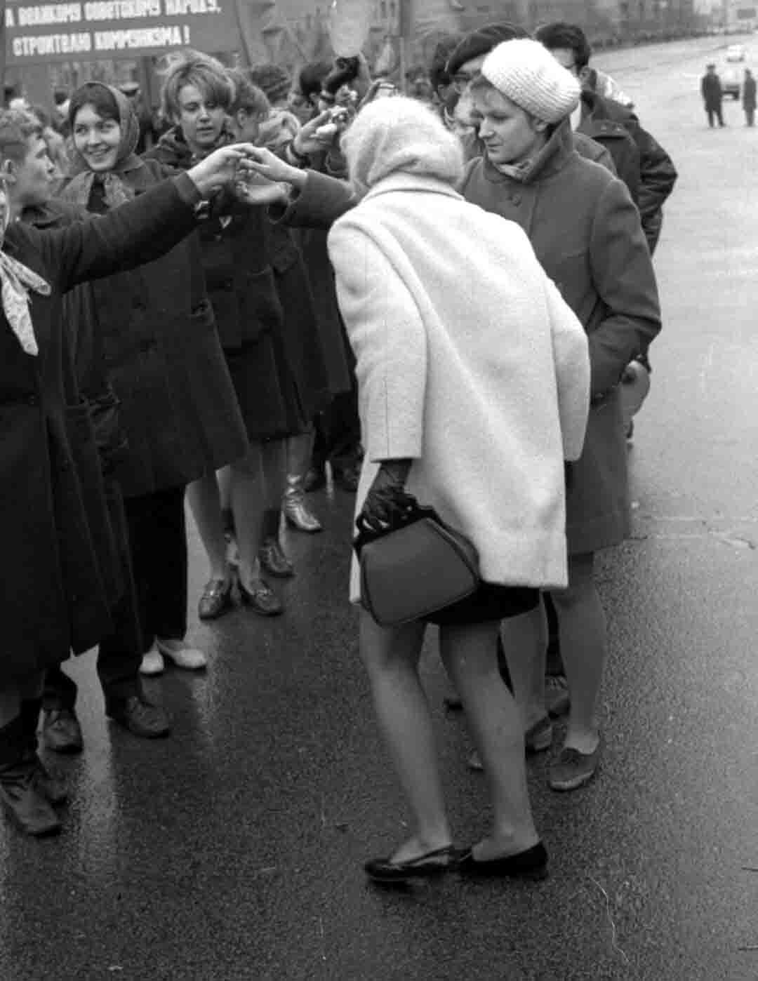 11:1970 <br>На демонстрации 2 курс ФПМ 11
