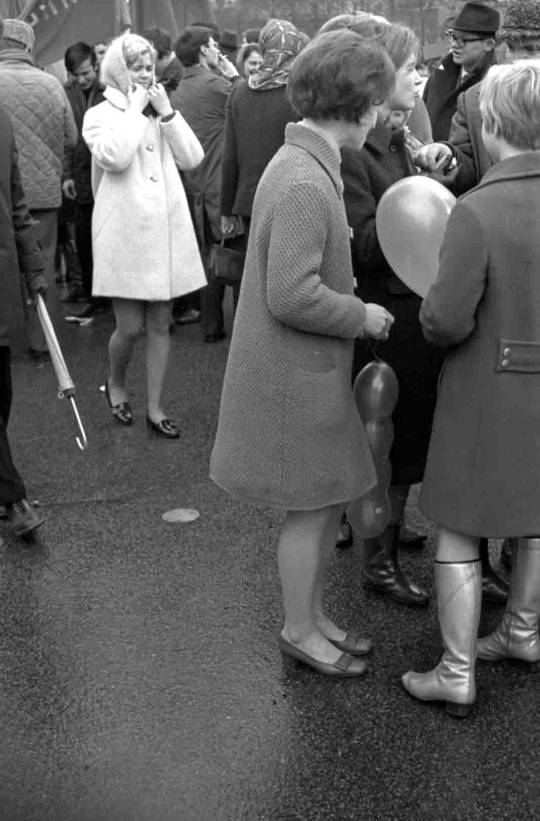 11:1970 <br>На демонстрации 2 курс ФПМ 15