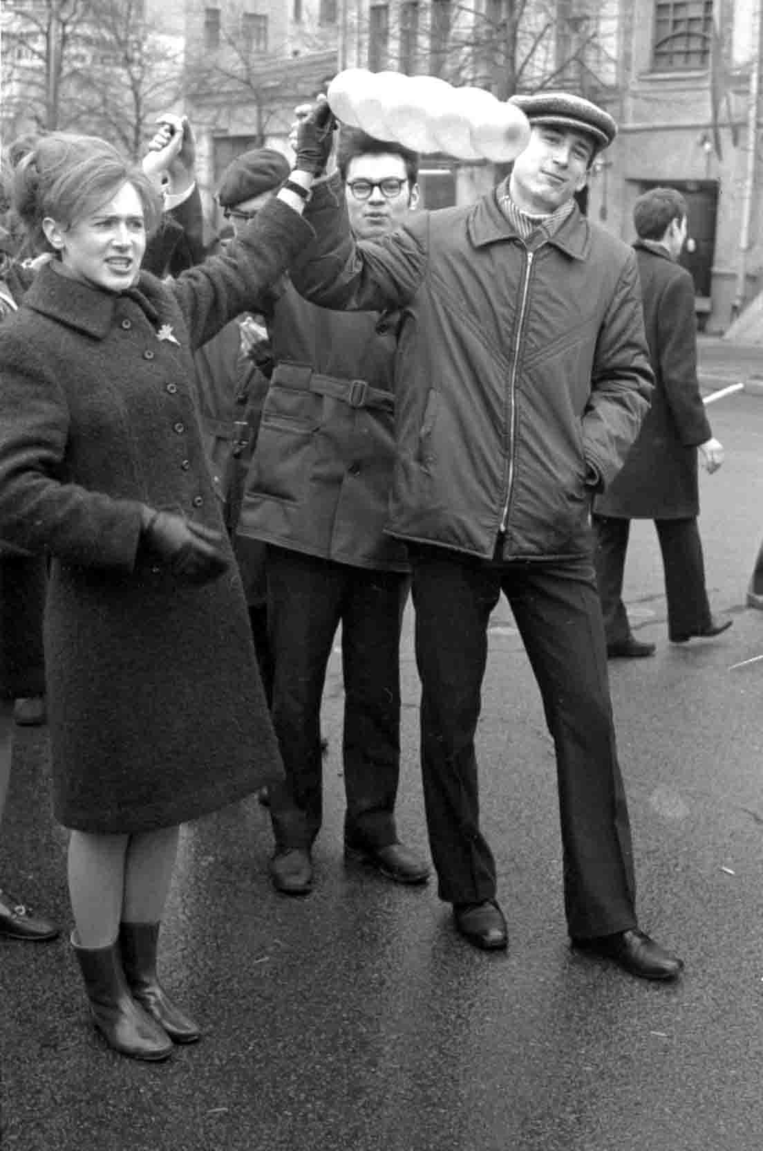 11:1970 <br>На демонстрации 2 курс ФПМ 3