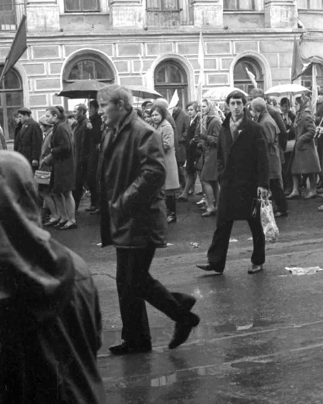 11:1970 <br>На демонстрации 2 курс ФПМ 4