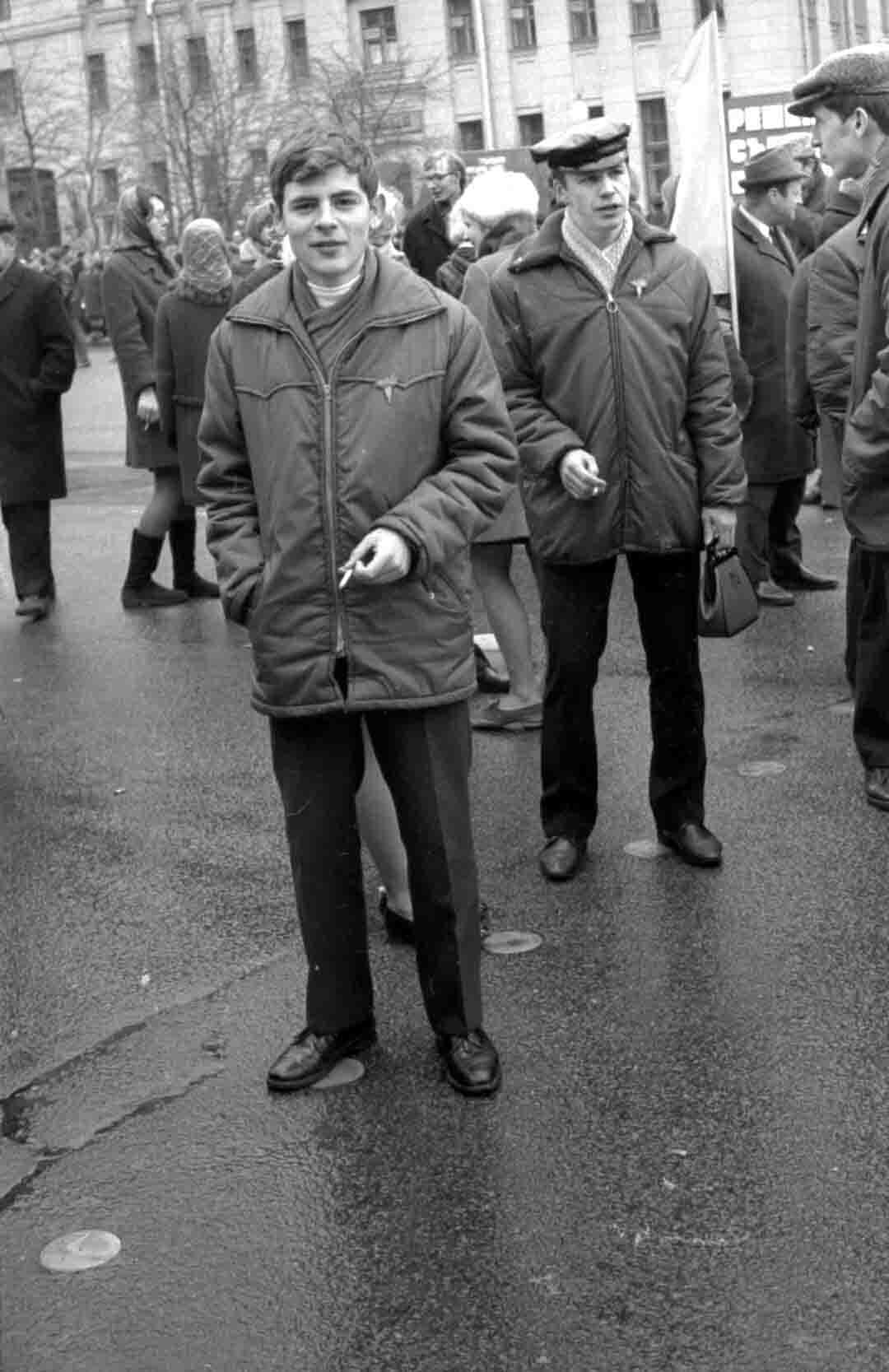 11:1970 <br>На демонстрации 2 курс ФПМ 8